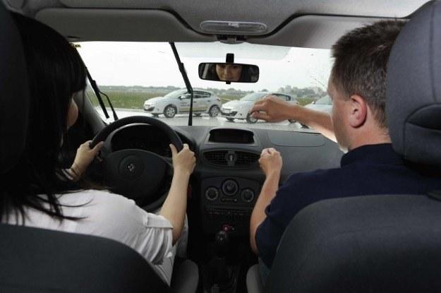 Jak kręcić kierownicą? /