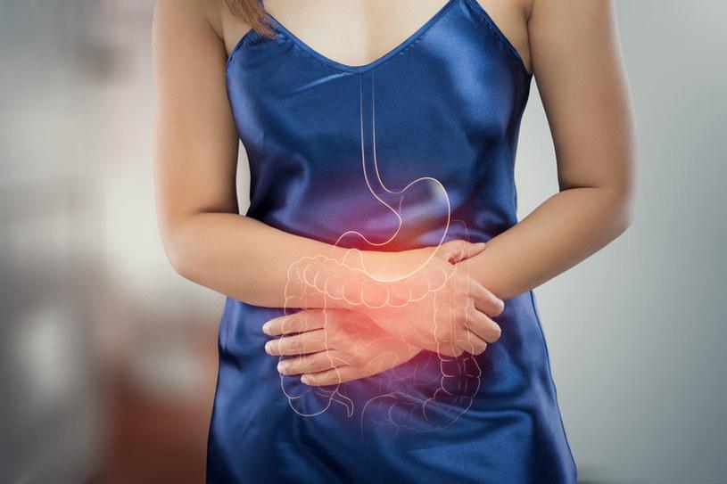 Jak leczyć nieżyt żołądka? /©123RF/PICSEL