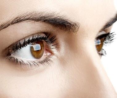 Jak malować brązowe oczy?