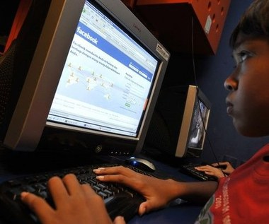 Jak monitoruje się Facebooka