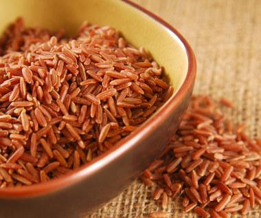 Jak na organizm działa czerwony ryż?