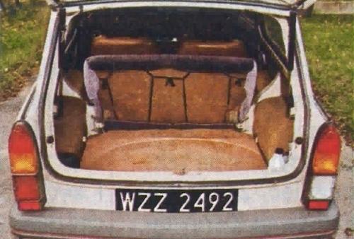 Jak na tak mały samochód, Trabant imponuje wielkością bagażnika. /Motor