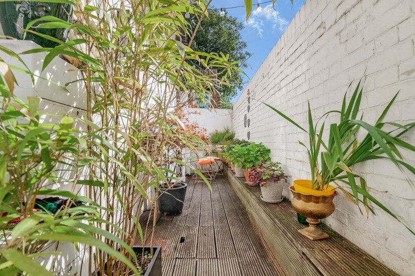 Jak na warunki brytyjskiej stolicy, ogródek tarasowy jest sporym luksusem /Cover Images /East News