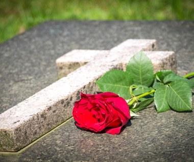 Jak napisać kondolencje?