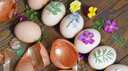 Jak naturalnie barwić jajka