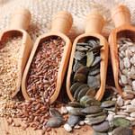 Jak naturalnie wyregulować poziom hormonów za pomocą nasion?