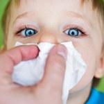 Jak naturalnym sposobem zatrzymać krwawienie z nosa u dzieci?