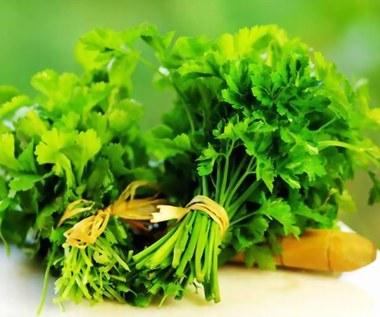 Jak oczyścić organizm, nerki i wątrobę herbatą z pietruszki?