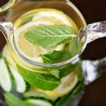Jak oczyścić wątrobę za pomocą napoju miętowo-cytrynowego?