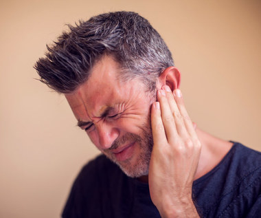 Jak odetkać ucho?