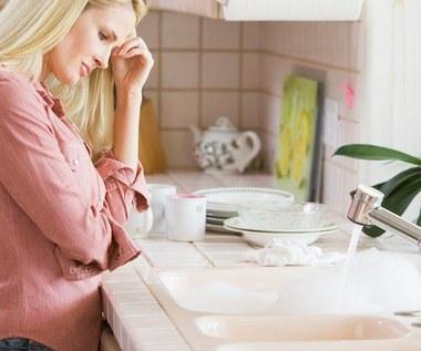 Jak odetkać zatkany odpływ wanny, umywalki czy zlewozmywaka?