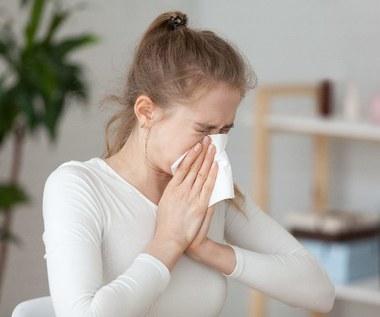 Jak odróżnić katar alergiczny od zwykłego?