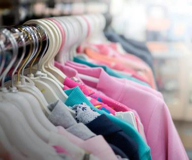 Jak odświeżyć ubrania bez prania?