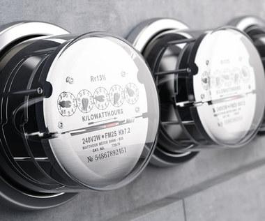 Jak oszczędzić na rachunkach za prąd w domu i w mieszkaniu?