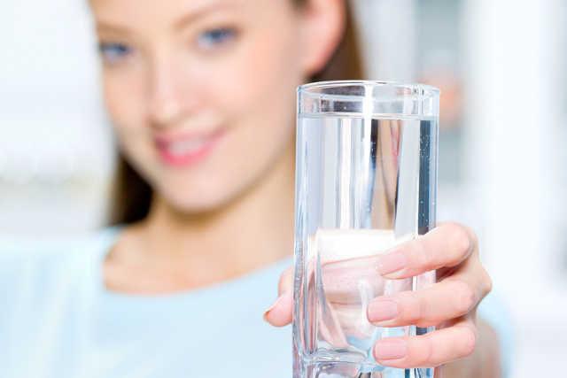 Jak pić więcej wody /© Photogenica