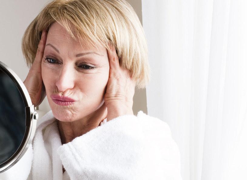 Jak pielęgnować cerę, żeby długo zachowała młody wygląd? /123RF/PICSEL