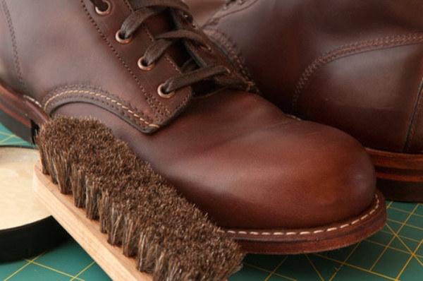 jak pielęgnować obuwie zimą /© Photogenica
