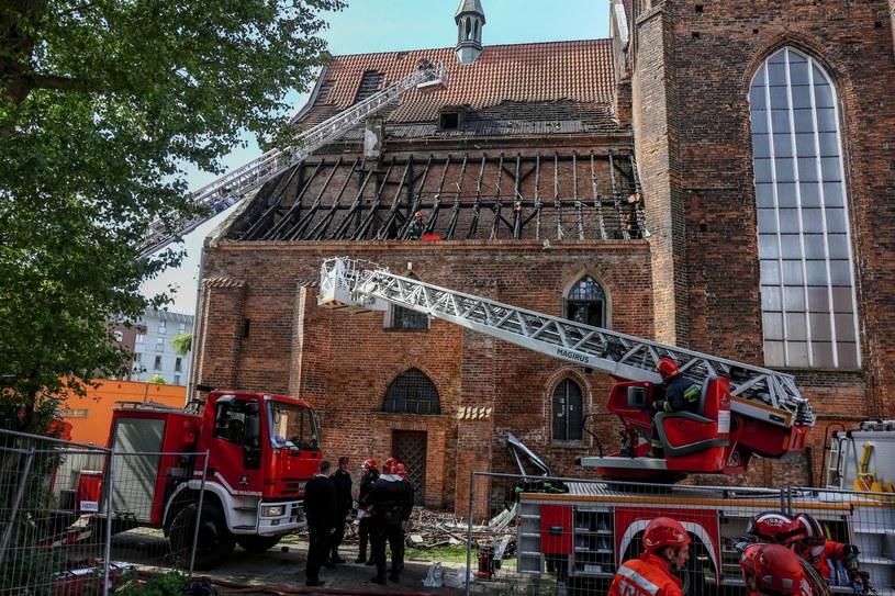 Jak podano, spłonęło 200 m kwadratowych dachu /Piotr Hukało /East News