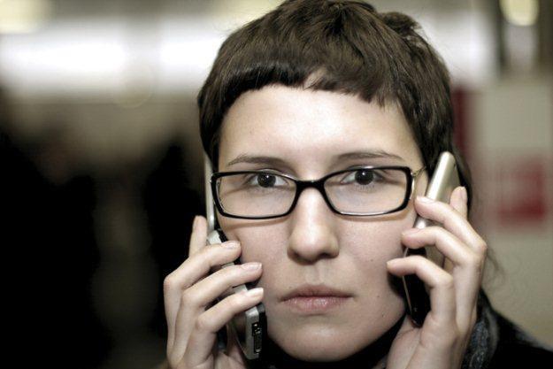 Jak Polacy korzystają z komórek - własnie tak  fot. Maria Beliakova /stock.xchng