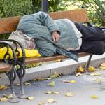 Jak pomóc bezdomnym przetrwać zimę?