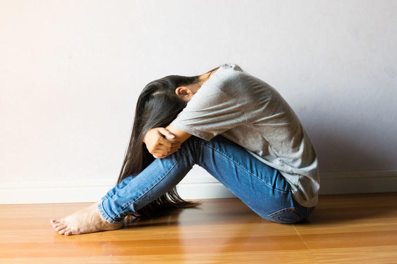 Jak pomóc nastolatce? /123RF/PICSEL