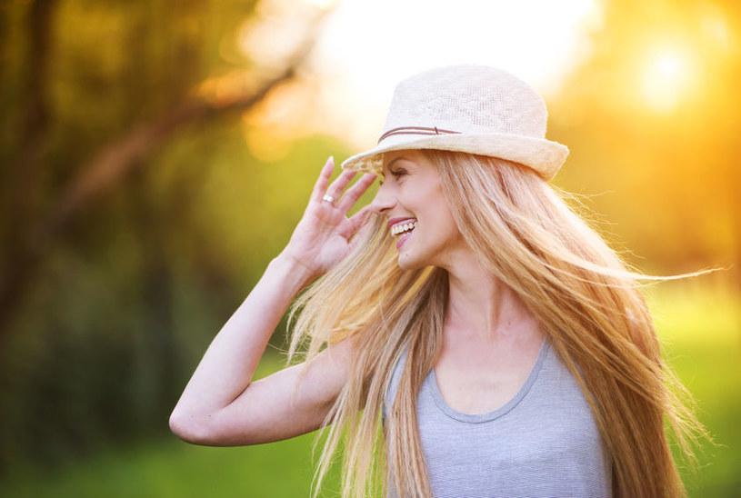 Jak postrzega się blondynki? /©123RF/PICSEL