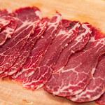 Jak powinno się kroić mięso?
