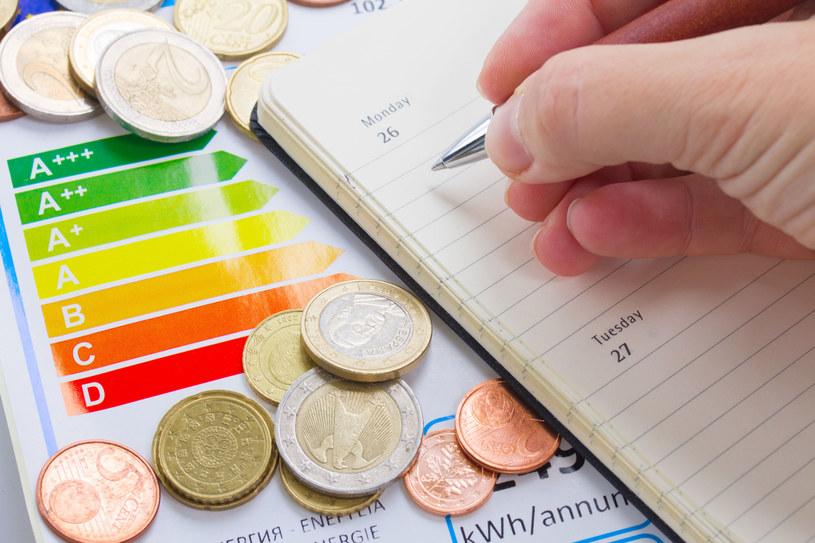 Jak powinno użytkować się sprzęt AGD żeby płacić niższe rachunki za energię? /123RF/PICSEL