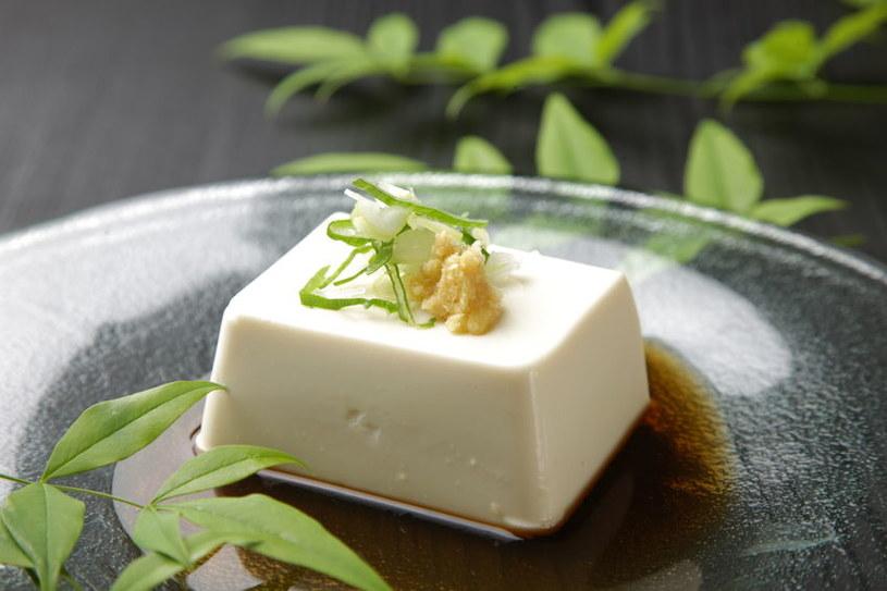 Jak powstaje tofu i jakie ma właściwości? /©123RF/PICSEL