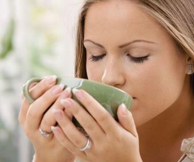 Jak pozbyć się kofeiny z herbaty