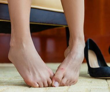 Jak pozbyć się nieprzyjemnego zapachu stóp?