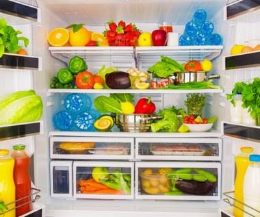 Jak pozbyć się przykrego zapachu z lodówki?
