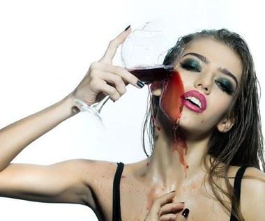Jak pozbyć się trądziku maseczką z czerwonego wina?