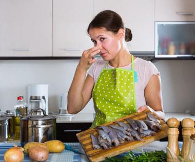 Jak pozbyć się zapachu ryb?