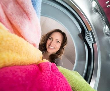 Jak prać, żeby nie uszkodzić ubrań?