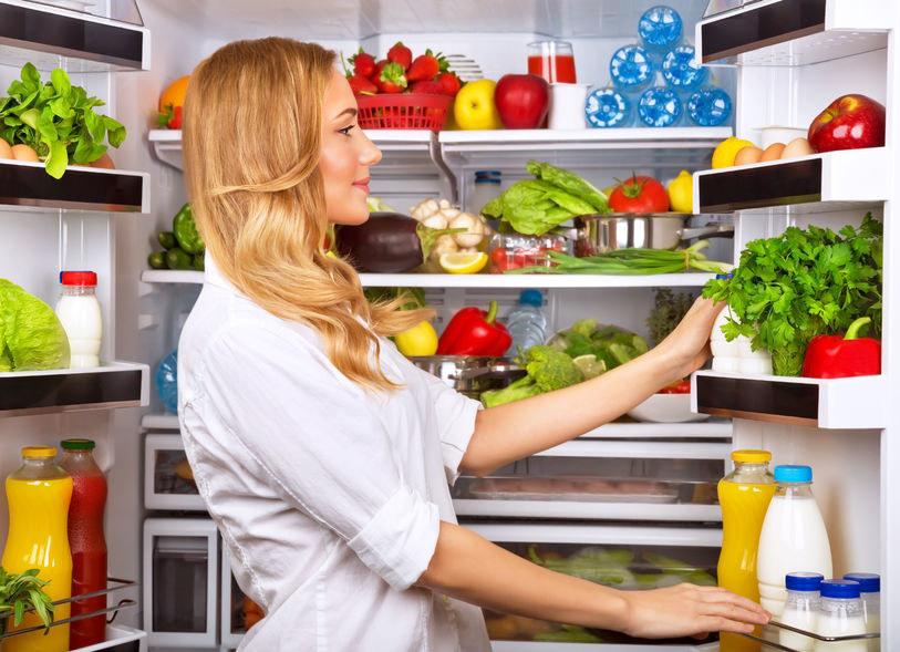 Jak przedłużyć świeżość jedzenia? /©123RF/PICSEL