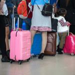 Jak przetrwać długą podróż samolotem i nie wyglądać na zmęczoną?