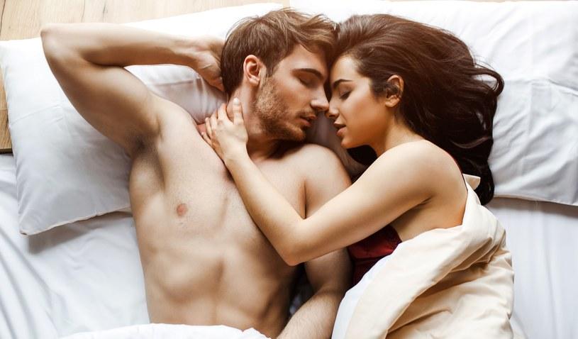Jak przez lata tworzyć szczęśliwy związek? /123RF/PICSEL