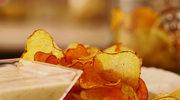 Jak przygotować chipsy z ziemniaków i batatów