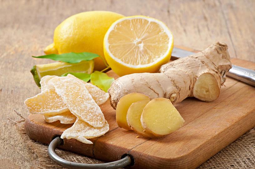 Jak przygotować cytryny w syropie? /123RF/PICSEL