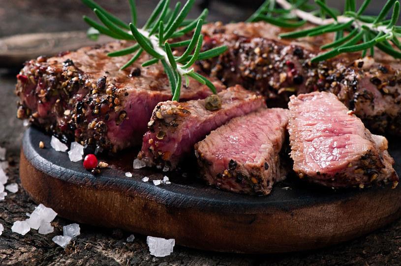 Jak przygotować kruche i soczyste mięso? /123RF/PICSEL