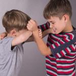Jak reagować, gdy dzieci się kłócą?