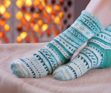 Jak rozgrzać zimne stopy? Sprawdzone sposoby