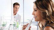 Jak rozjaśnić zęby szczoteczką