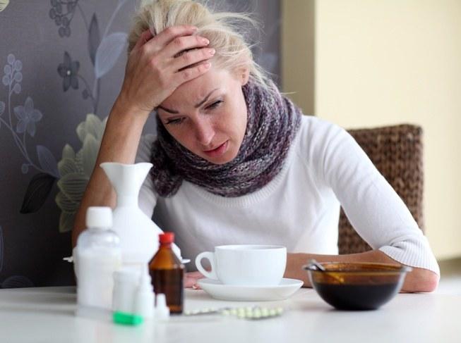 Jak rozpoznać objawy przeziębienia czy grypy? /© Photogenica
