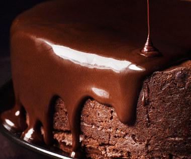 Jak roztopić czekoladę w kilka chwil?