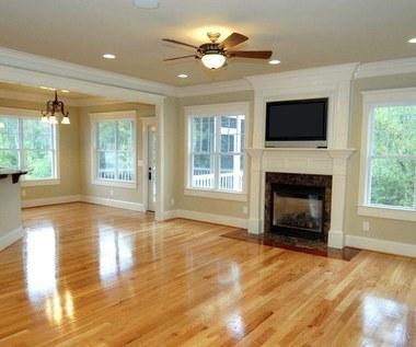 Jak samemu wykonać środek do czyszczenia drewnianej podłogi?