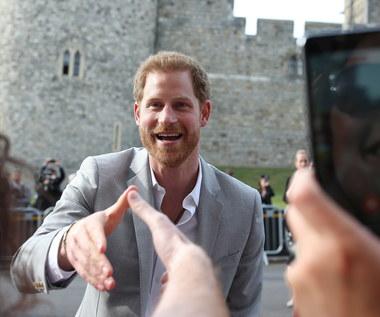 """Jak się czuje książę Harry na dzień przed swoim ślubem? """"Zrelaksowany"""""""