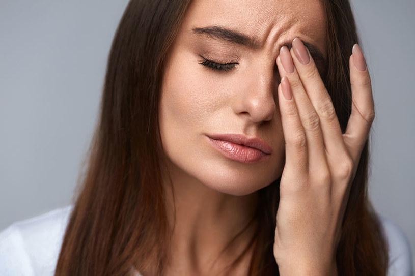 Jak się objawia drętwienie twarzy? /©123RF/PICSEL