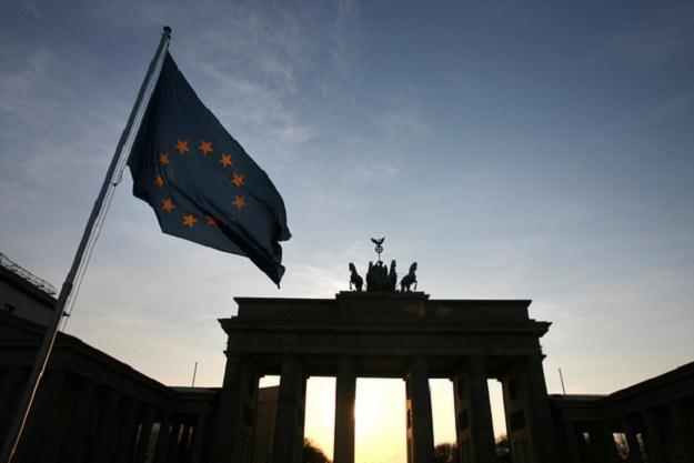 Jak się płaci podatki w Niemczech i Austrii? /AFP